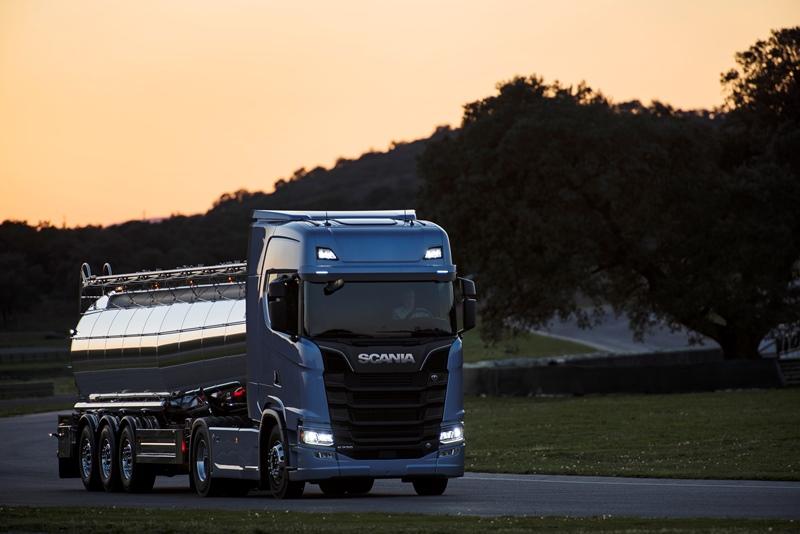 Scania, 2 milyar € harcadı, geleceğin aracını üretti galerisi resim 11