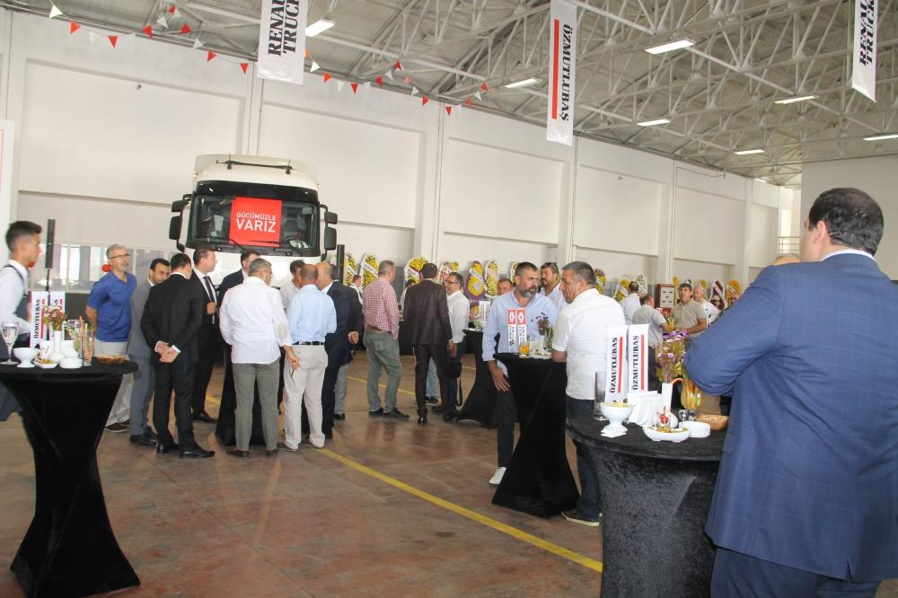 Renault Trucks Ege'de güçleniyor galerisi resim 4