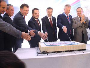 Schmitz Cargobull Türkiye'deki fabrikasını açtı