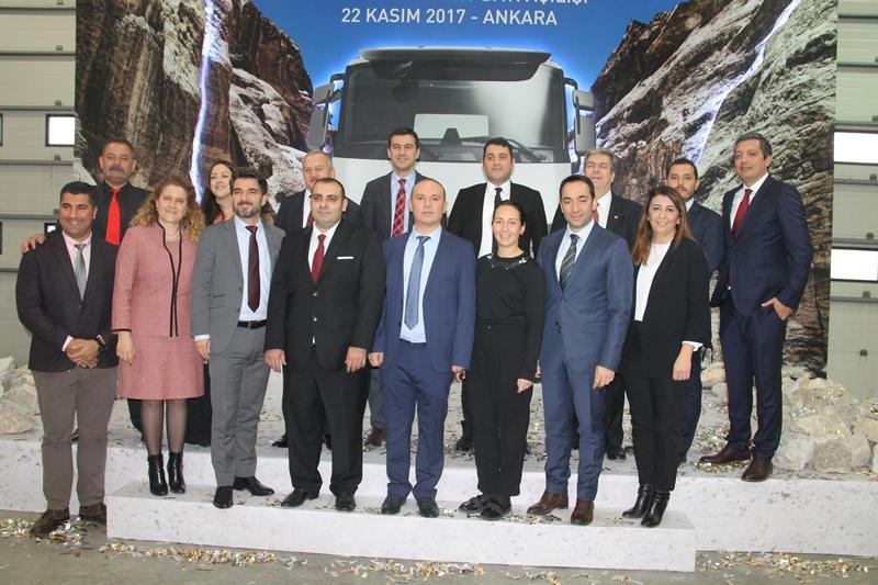 Ceyhan Otomotiv açılışı yaptı, 13 araç sattı galerisi resim 1