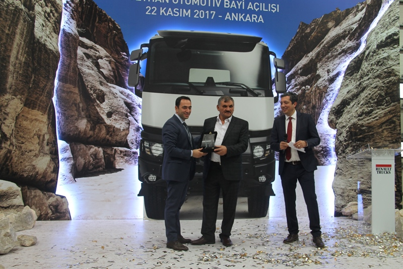 Ceyhan Otomotiv açılışı yaptı, 13 araç sattı galerisi resim 32