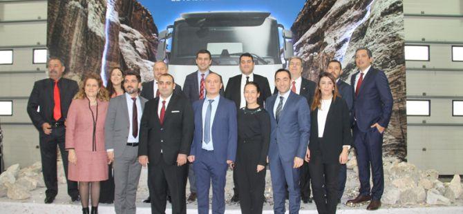 Ceyhan Otomotiv açılışı yaptı, 13 araç sattı