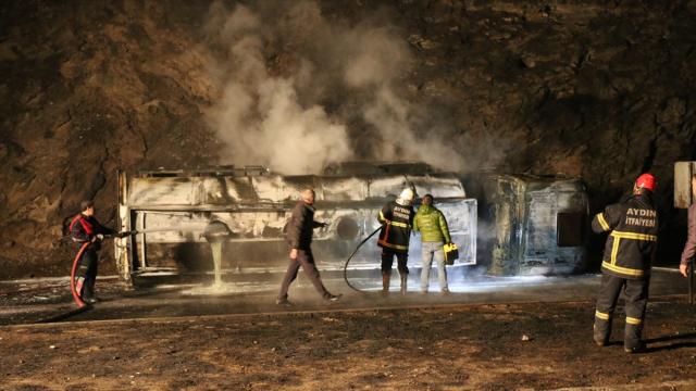 Korkunç kaza... Yakıt tankeri patladı