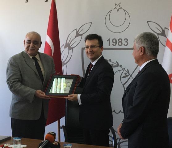 Türkiye'den, KKTC'ye 16 Ford Trucks hediye