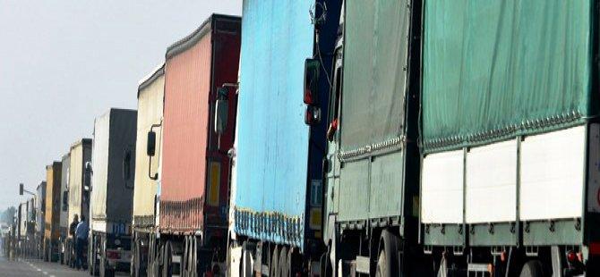 Valilik kararıyla TIR'ların trafiğe çıkması yasaklandı!