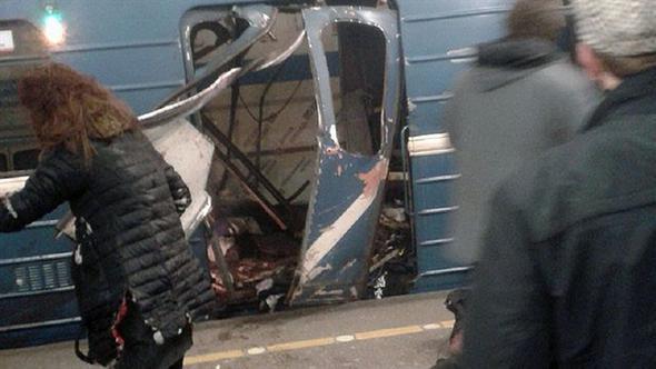 Rus metrosunda büyük patlama: Çok sayıda ölü var