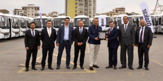 Otokar'ın en büyük küçük otobüs teslimatı Efatur'a
