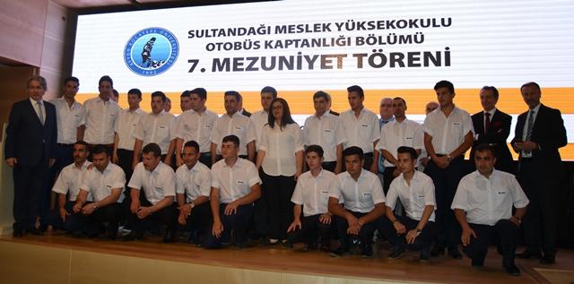 TEMSA, üniversiteli kaptan şoförlerin yanında