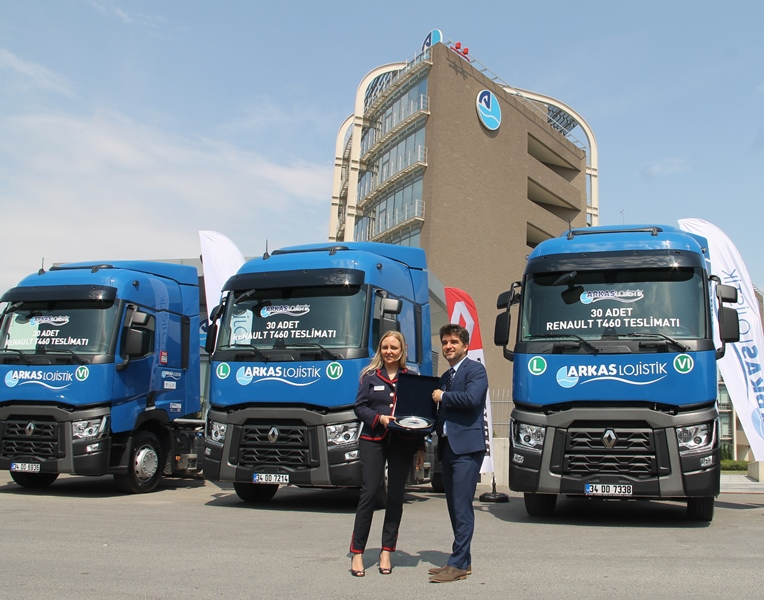 Arkas Lojistik, 2.5 milyon Euro'luk Renault çekici aldı