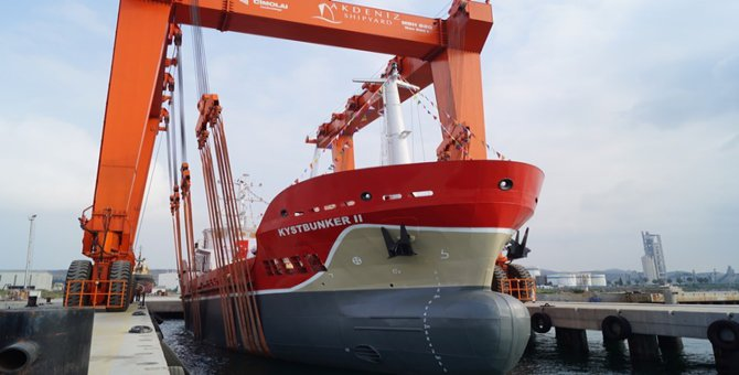 Antalya'da M/T Kystbunker II isimli tanker denize indirildi.