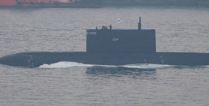 Rus denizaltısı Krasnodar İstanbul Boğazı'ndan geçti