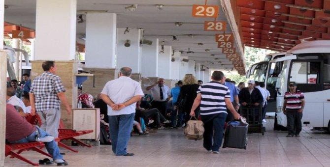 Havalimanı kapatıldı, otobüsler zamlandı