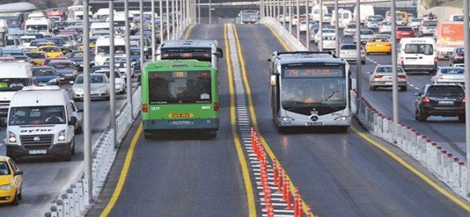 Metrobüs yoluna yeni bariyer düzenlemesi