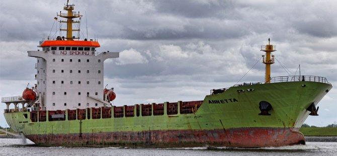 Kargo gemisi Zonguldak'ta karaya oturdu