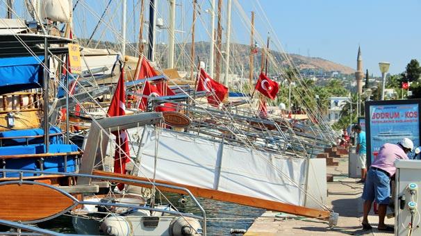 Türk bayraklı yatlara limandan çıkmak yasak