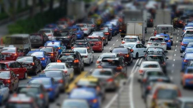 Yollar doldu, araba satışı yasaklandı