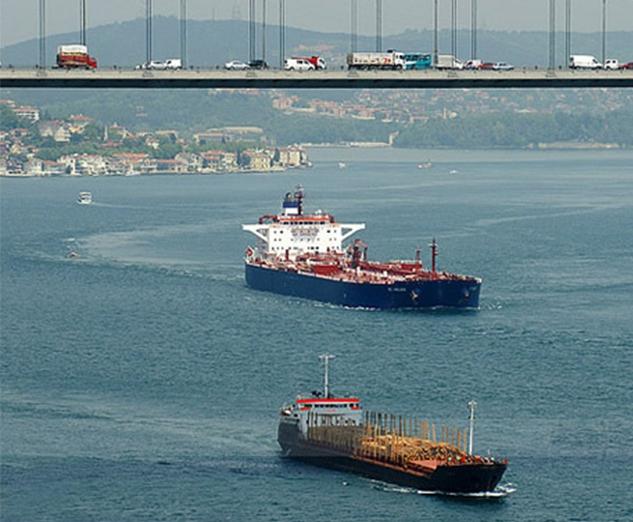 Geçen yıl Boğaz'dan 42 bin 553 gemi geçti