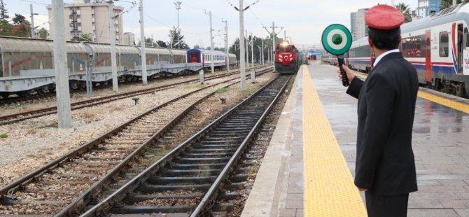 Demir İpek Yolu'na Türkiye'den ilk yük treni uğurlandı