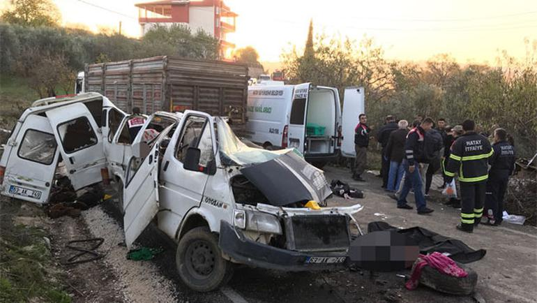 Katliam gibi kaza: 10 ölü, 7 yaralı