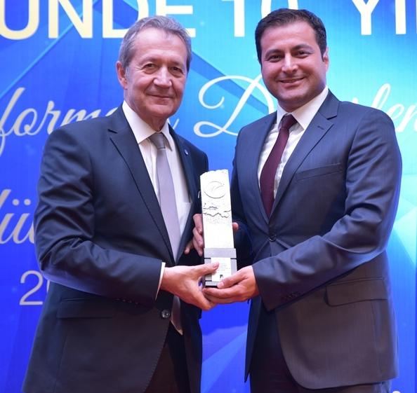 Autoport'a Sektörel Performans Ödülü