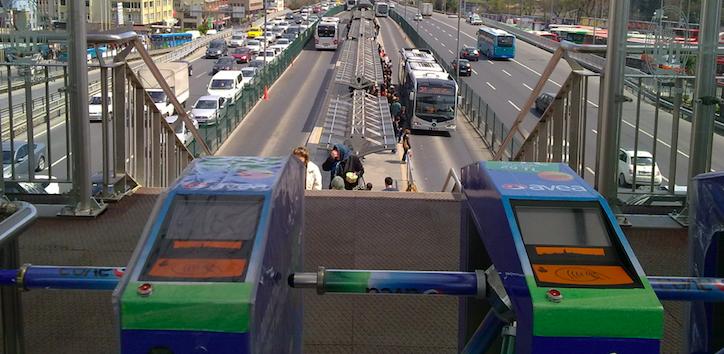 Metrobüse binme çilesine son