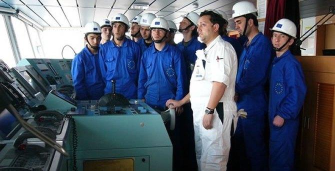Türk karasularında gemiadamı değişimine izin çıktı