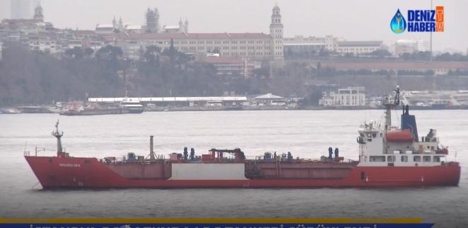 M/T GOLDEN SEA, Kız Kulesi açıklarında sürükleniyor