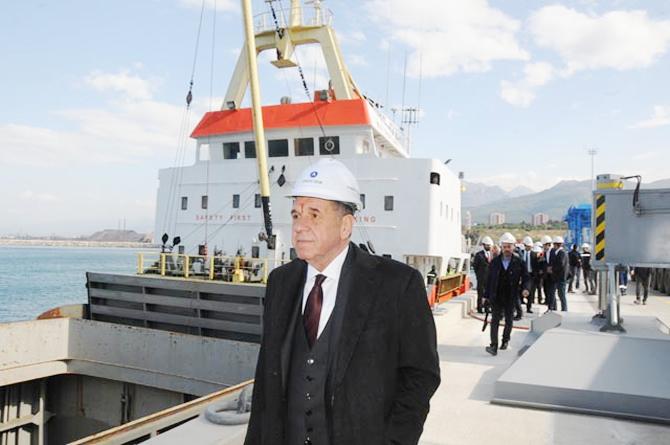 Atakaş Limanı'na ilk gemi yanaştı