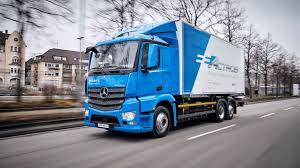 Mercedes-Benz'in elektrikli kamyonları teste başladı