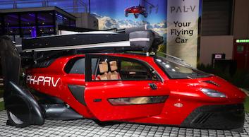 Dünyanın ilk seri üretim uçan otomobili satışta