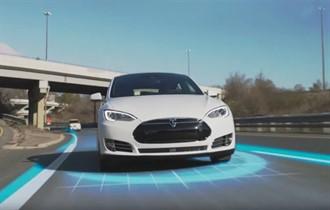 Tesla'nın otomatik pilotuna ilginç test