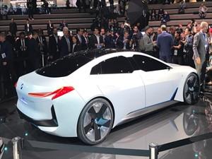 Tek şarjla 700 kilometre gidebilen BMW!
