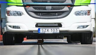 Dünyanın ilk elektrikli araç şarj edebilen yolu İsveç'te açılıyor