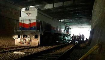 Aydın'da yük treni raydan çıktı! Denizli-İzmir tren seferleri yapılamıyor!