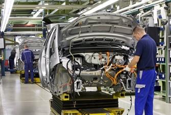 Otomotiv üretimi yüzde 34, toplam pazar yüzde 53 daraldı