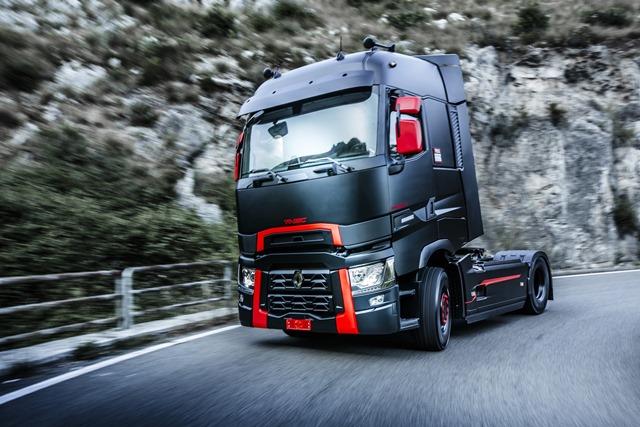 Renault Trucks, 20 yılda 25 bin aracı Türkiye yollarına çıkardı
