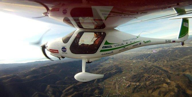 Norveç'in elektrikli uçağı göklere çıktı