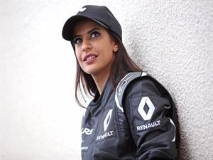 Renault F1 otomobilinde Suudi bir kadın sürücü!