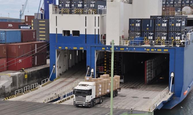 TIR'lar İspanya'ya denizden gidecek