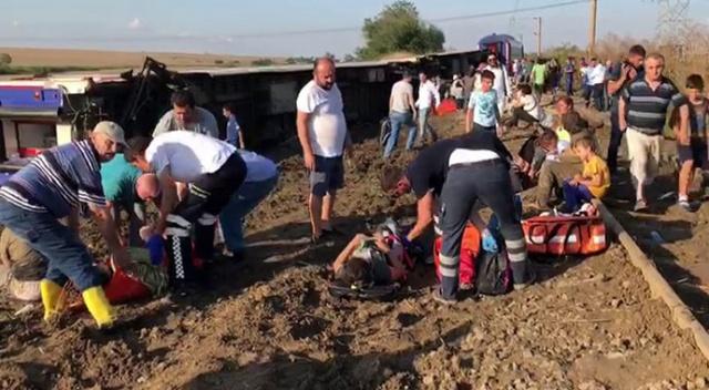 Yolcu treni devrildi: Çok sayıda yaralı 24 ölü var