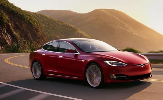 Tesla, Model 3'ü ambalajsız ve fabrikada teslim ediyor