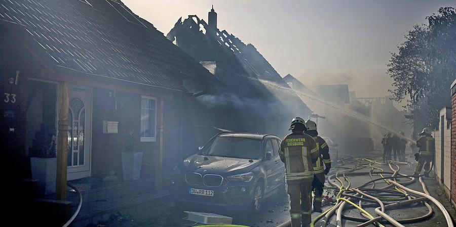 Trenden çıkan kıvılcım 8 evi kül etti