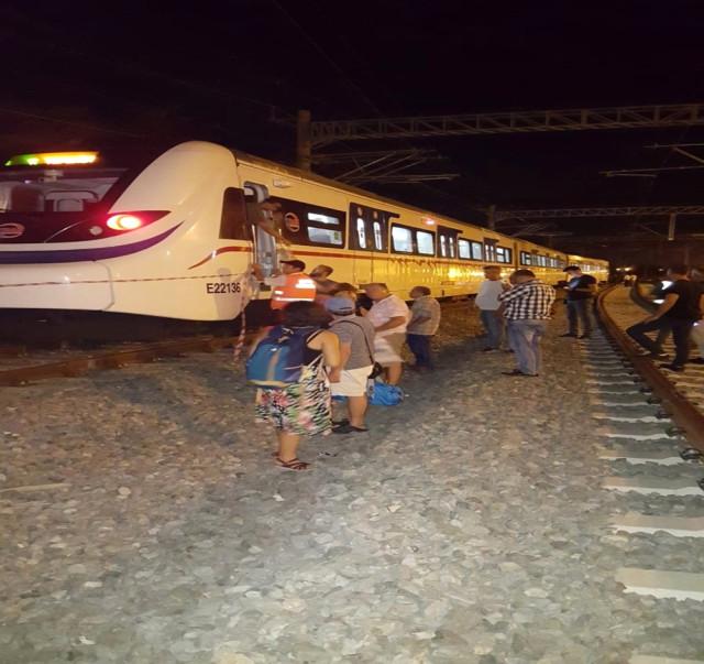 İZBAN treni raydan çıktı