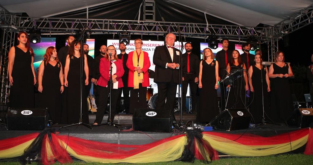 Krone, Alman Milli Birlik Günü'ndeydi