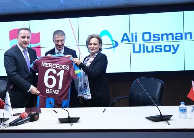 Trabzonspor, yeni Tourismo otobüsüne kavuştu