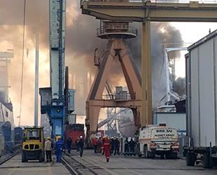 Bakıma alınan gemide yangın