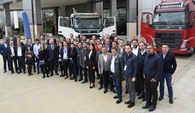 Volvo Trucks bu yıl ikinci kez üstyapıcılarla buluştu