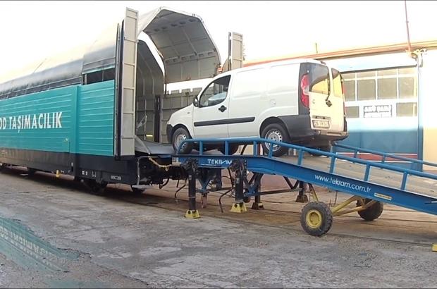 TÜLOMSAŞ araç taşıma vagonu üretti