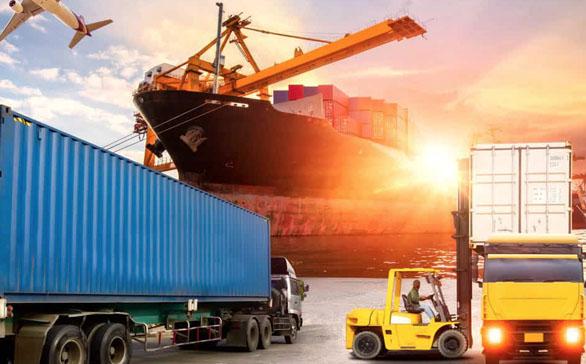 Lojistik, 'hizmet ihracatı'nın liderliğine göz kırpıyor