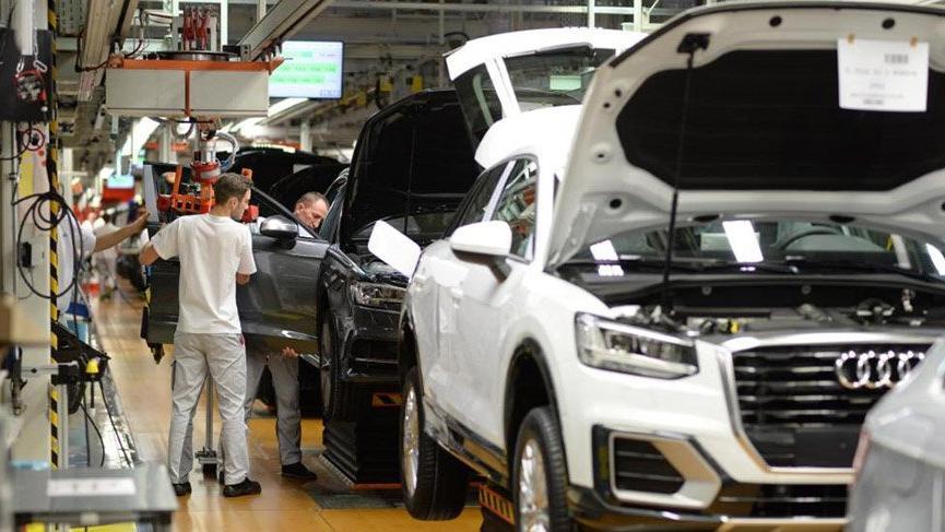 Audi'de bantlar durdu! Macar işçiler grevde
